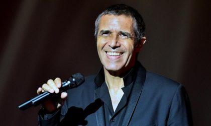 Le chanteur français Julien Clerc fête ses cinquante ans de carrière à Alger