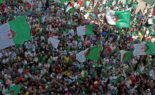 Les manifestants scandent des slogans hostiles à l'exploitation du gaz de schiste