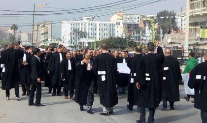 Les avocats de Tizi Ouzou et Béjaïa à Gaïd-Salah : «Nous entrerons tous à Alger !»