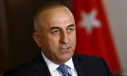 Le chef de la diplomatie turque à Alger au moment où Ankara envahit la Syrie