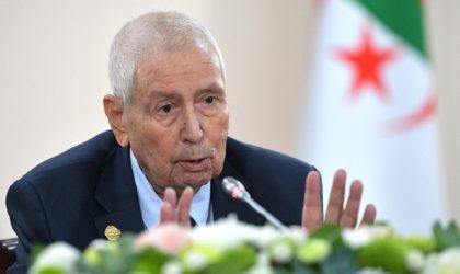 Quand le chef de l'Etat fictif singe son chef Gaïd-Salah et menace le peuple