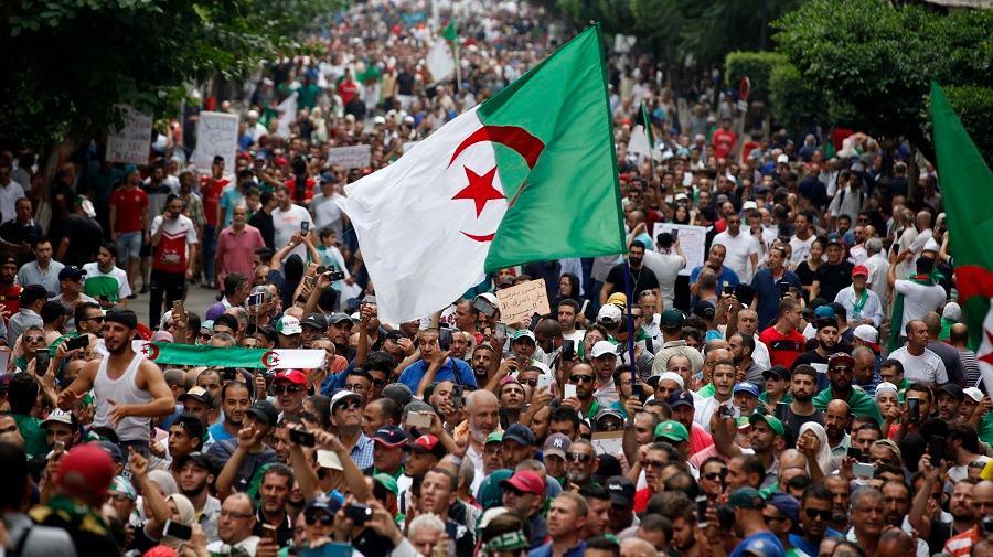 Grand meeting ce samedi à Paris pour briser le blocus médiatique sur le  Hirak - Algérie Patriotique
