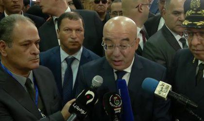Le ministre de l'Intérieur traite les citoyens d'homosexuels et de traîtres