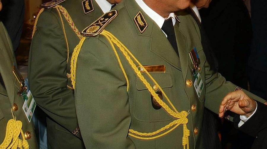 gen commandement militaire
