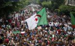 Les manifestants persistent et signent : non à la mascarade présidentielle