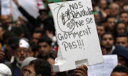 Les étudiants rendent hommage au policier ayant dénoncé la répression du Hirak