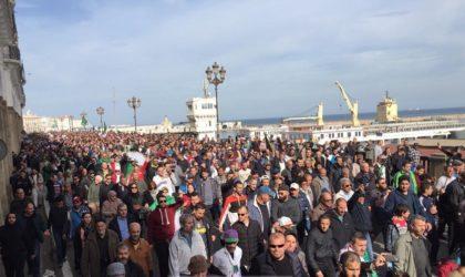 51e vendredi de marche: les manifestants  demandent le transfert du pouvoir au peuple