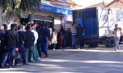 Coronavirus : des Algériens ne respectent pas la distance de sécurité