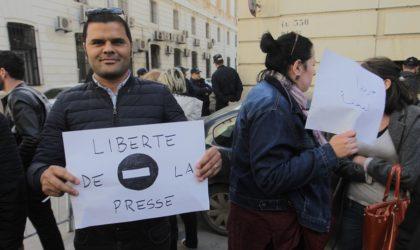Rassemblement des journalistes pour le respect de la liberté de la presse