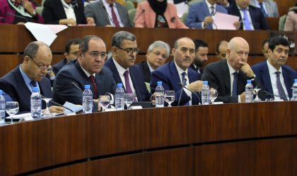 Cinq institutions et des centaines de fonctionnaires à la solde de Bouazza