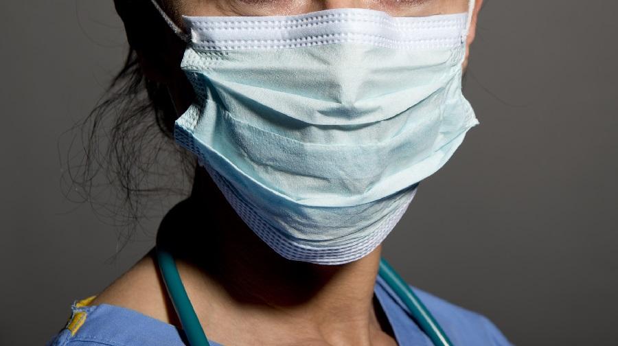 femme médecin Blida