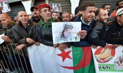 Les généraux Lachkhem et Madi lancent un prêt-à-porter à l'effigie de Gaïd-Salah