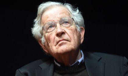 Noam Chomsky alerte sur deux nouvelles menaces planétaires après le coronavirus