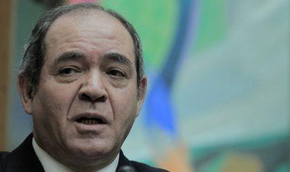 Le bruit court que le ministre des Affaires étrangères remplacerait Djerad