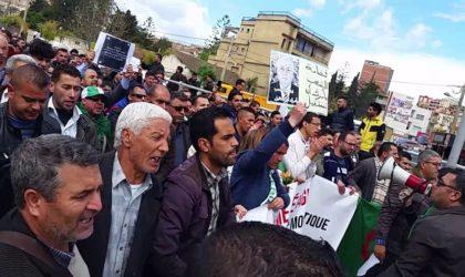 Scènes d'émeutes suite à une marche dans la ville de Béjaïa