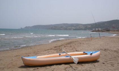 Des Marocains manifestent sur la plage de Saidia et veulent entrer en Algérie