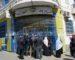 Crise de liquidités dans les postes : des citoyens barrent des routes