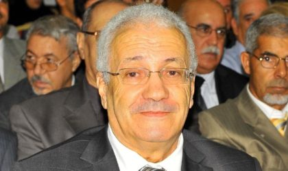 Saâd Bouakba accuse Mohand-Oussaïd d'avoir fait du chantage à El-Khabar