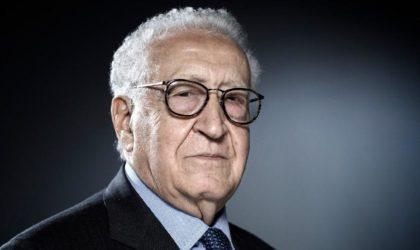 Lakhdar Brahimi lance une action contre la lâcheté de gouvernements arabes
