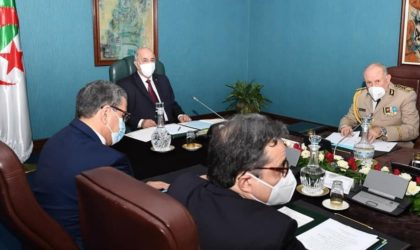 Le Haut Conseil de sécurité décide la réouverture graduelle des mosquées et des plages