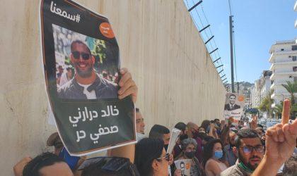 Rassemblement pour exiger la libération du journaliste Khaled Drareni à Alger