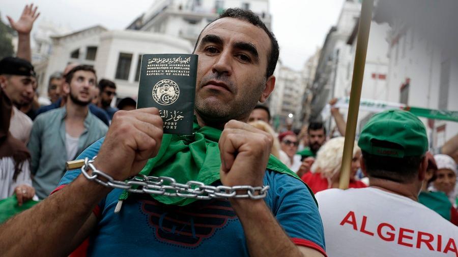 Algérien politique