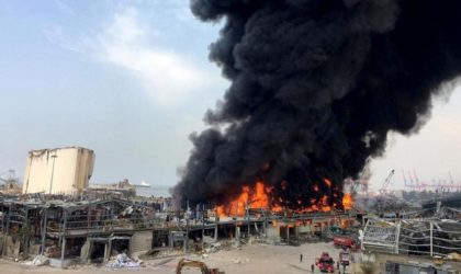 Un important incendie se déclare au port de Beyrouth