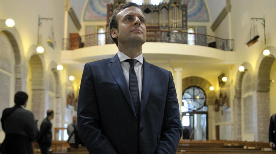 Macron archives