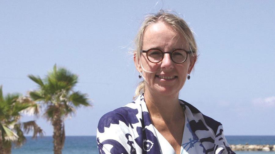 Hélène L'ambassadrice de France