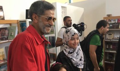 L'évacuation de l'acteur Salah Aougrout à l'étranger provoque un tollé général