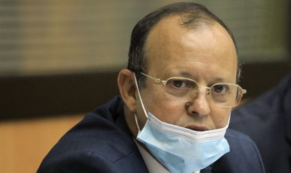 Le consul d'Algérie à Lyon déroge à l'obligation de réserve et interpelle le ministre Kamel Nasri
