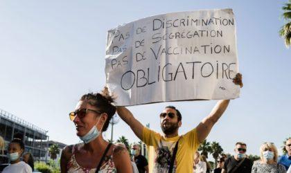Paris : mobilisation contre la suspension du personnel refusant la vaccination