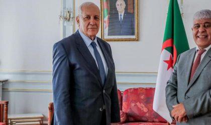 Une source autorisée explique pourquoi Antar Daoud s'est rendu en France